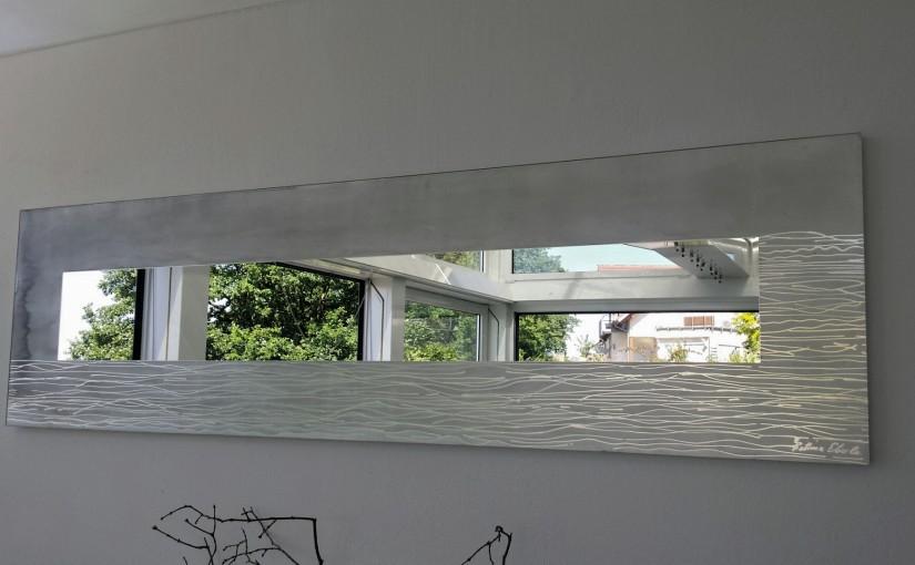 Spiegel rückseitig eingefärbt/dekoriert